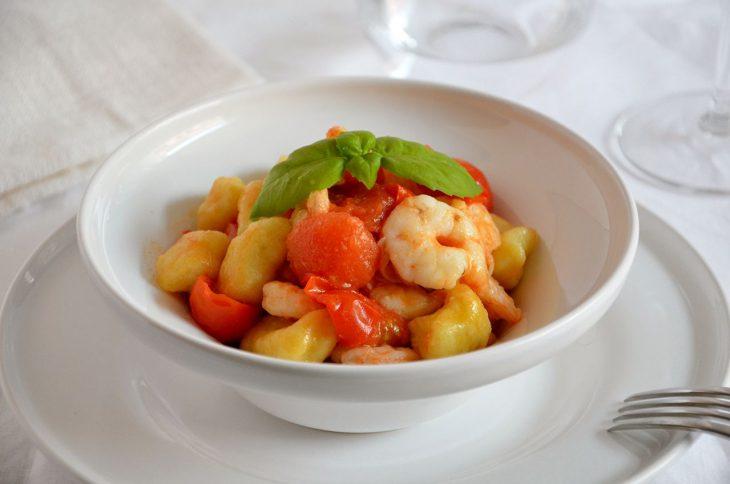 Gnocchi gamberi e pomodorini