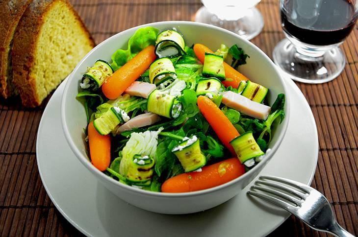 Insalata con praga zucchine e robiola