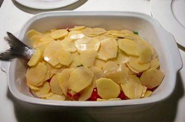 Orata al forno con patate e pomodorini 7