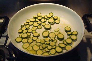 Pasta con ricciola zucchine e pomodorini 6