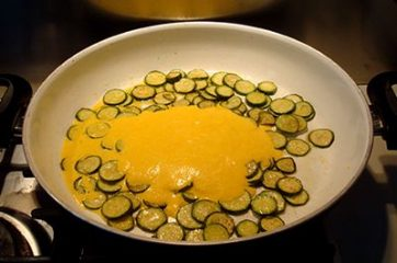 Pasta ricotta zucchine e curcuma 5