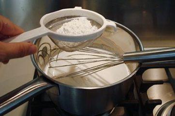 Torta al cioccolato con crema al latte 8