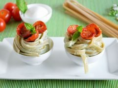Pasta con burrata e pomodorini confit