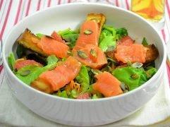 Insalata con salmone affumicato