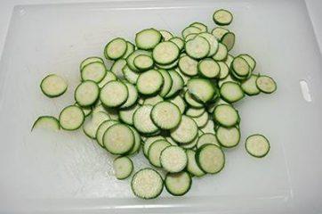 Bocconcini di pollo con zucchine 1