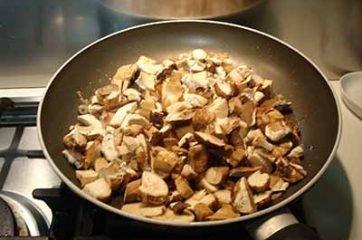 Tagliatelle ai funghi porcini 10