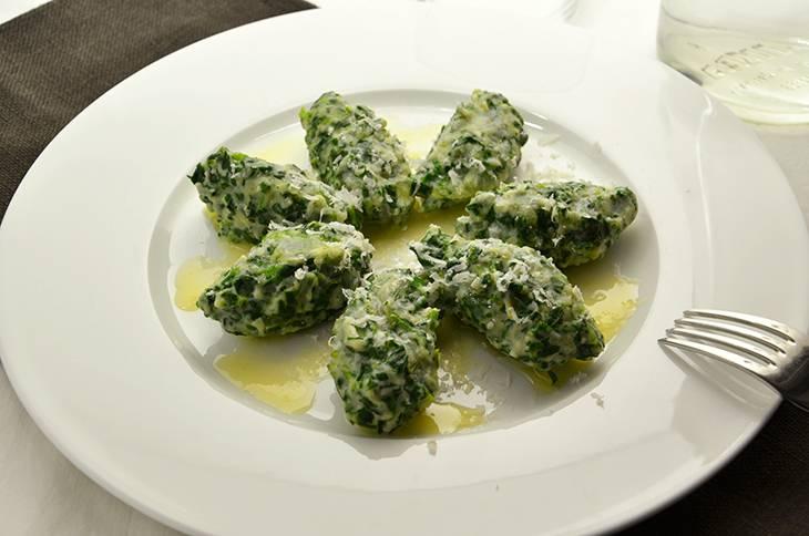 Ricetta gnocchi di ricotta e spinaci la ricetta della for Cucinare spinaci