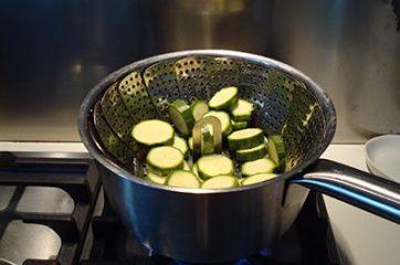 Pasta con totani e crema di zucchine 2