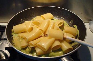 Pasta con totani e crema di zucchine 8