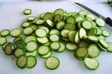 Pasta con zucchine e salsiccia 1