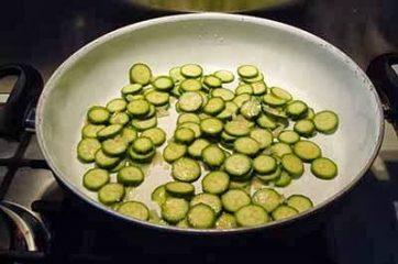 Pasta con zucchine e salsiccia 3