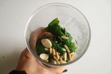 Pasta con pesto di spinaci 3
