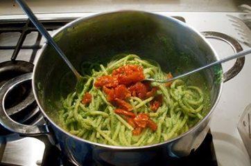 Pasta con pesto di spinaci 6