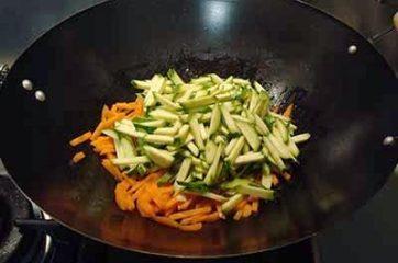 Petti di pollo con verdure 5