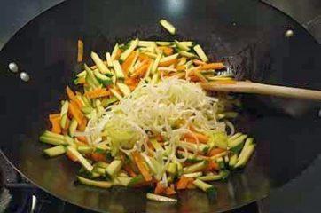 Petti di pollo con verdure 6