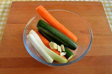 Spaghetti di riso con gamberi e verdure 1