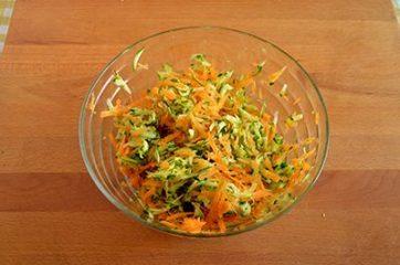 Spaghetti di riso con gamberi e verdure 3