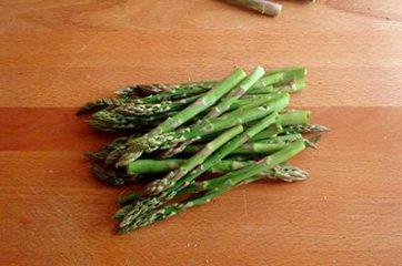 Pasta alla carbonara di asparagi 1