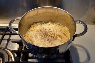 Spaghetti cacio e pepe 4