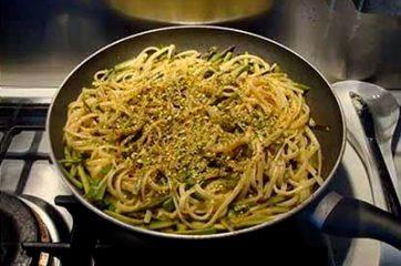 Pasta con zucchine e asparagi 10