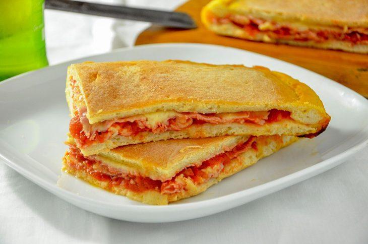 Focaccia prosciutto e formaggio