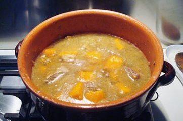 Spezzatino con patate funghi e zucca 7