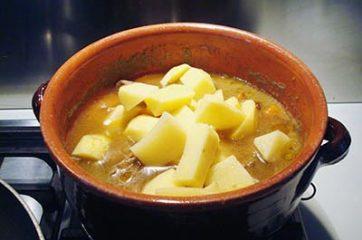 Spezzatino con patate funghi e zucca 8