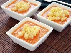 Gazpacho (Crema fredda di verdure crude)