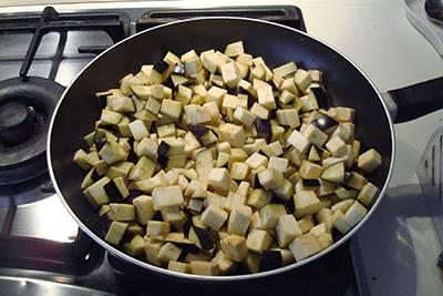 Fagottini melanzane e mozzarella 3