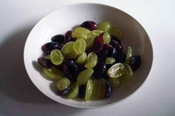 Insalata con uva e brie 3