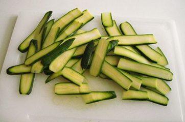 Strudel prosciutto scamorza e zucchine 1