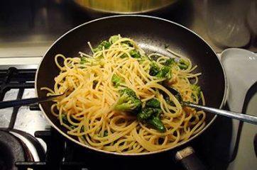 Pasta broccoli e vongole 7