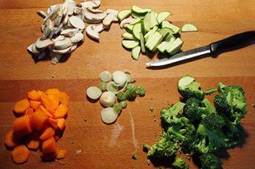 Noodles con maiale e verdure 1