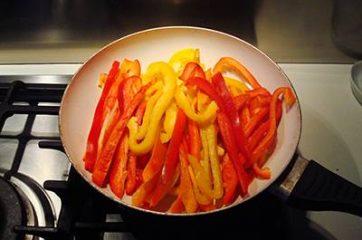 Fajitas di pollo e peperoni 4