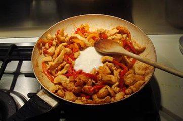 Fajitas di pollo e peperoni 6