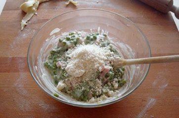 Torta salata con pisellini e prosciutto 9
