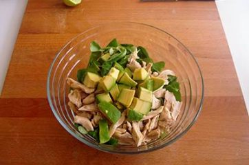 Insalata di pollo patate e avocado 10