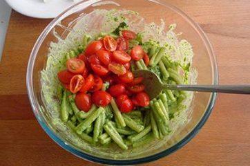 Pasta con pesto di rucola pomodorini e primosale 5