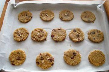 Biscotti con fiocchi d avena e uvetta 9
