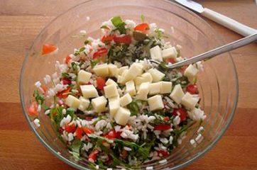 Insalata di riso con pomodori asiago e rucola 6