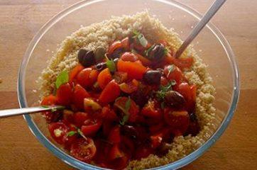 Cous cous con pomodorini feta e olive 4