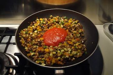 Pasta con ragù di verdure 4