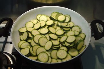 Torta salata zucchine e yogurt 2