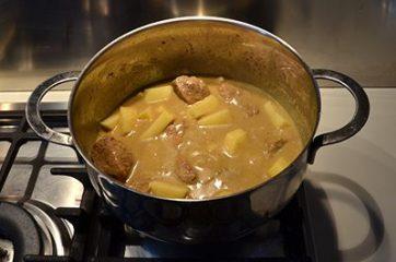 Spezzatino al latte di cocco e curry 6
