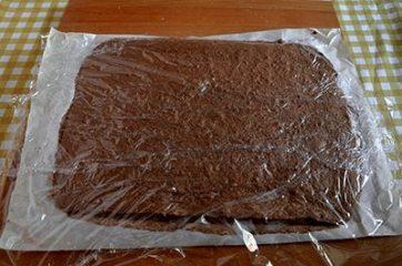 Rotolo al cacao con panna 7