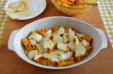 Pasta al forno con zucca e scamorza affumicata 5