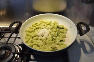 Gnocchi di patate e asparagi 10