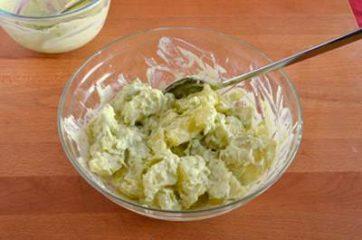 Insalata di patate e salmone 6