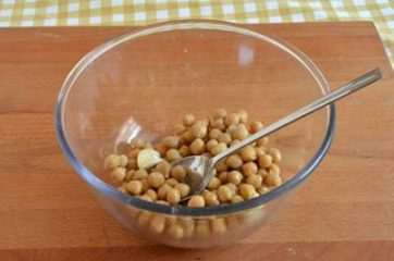 Hummus di ceci e barbabietola 1