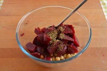Hummus di ceci e barbabietola 3